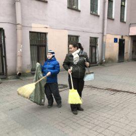 29 апреля 2017 года по адресу Невский пр., д. 108 прошел очередной субботник.